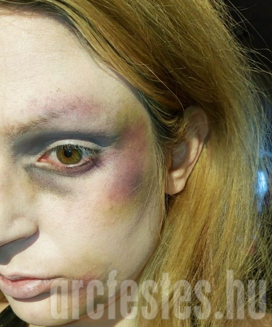 Ütésnyom, zúzódás arcfestékkel