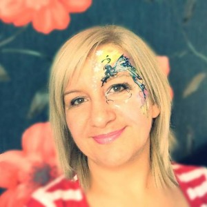 Bögyös Mónika arcfestő