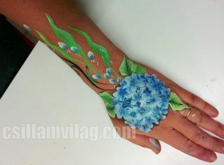 Egy mozdulat festés virág - tanuló első munkája a workshopon
