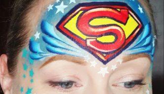 Superman arcfestés lépésről lépésre