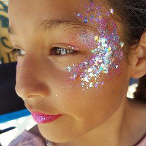Flitter és csillámzselé – kápráztasd el őket, és adj új dimenziót az arcfestésnek!