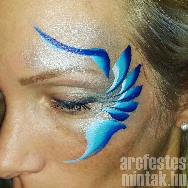 Kék-lila virág arcfestés 3.