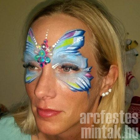 Kék pillangó arcfestés oldalról