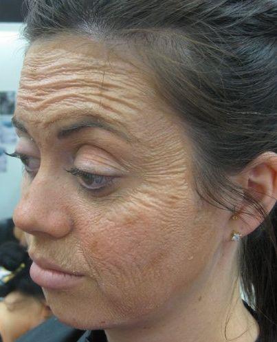 Latex segítségével készített öreg bőr