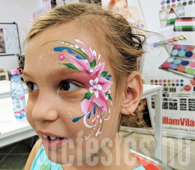 Rózsaszín virág arcfestés, Hegedűs Eszter