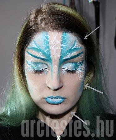 Csillámport teszünk az arcfestésre
