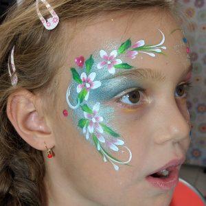 Virágos arcfestés lépésről lépésre – gyöngyház alapozással, VIDEO